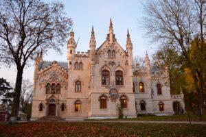 castelul-sturza-miclauseni-vizita-palat-neogotic2